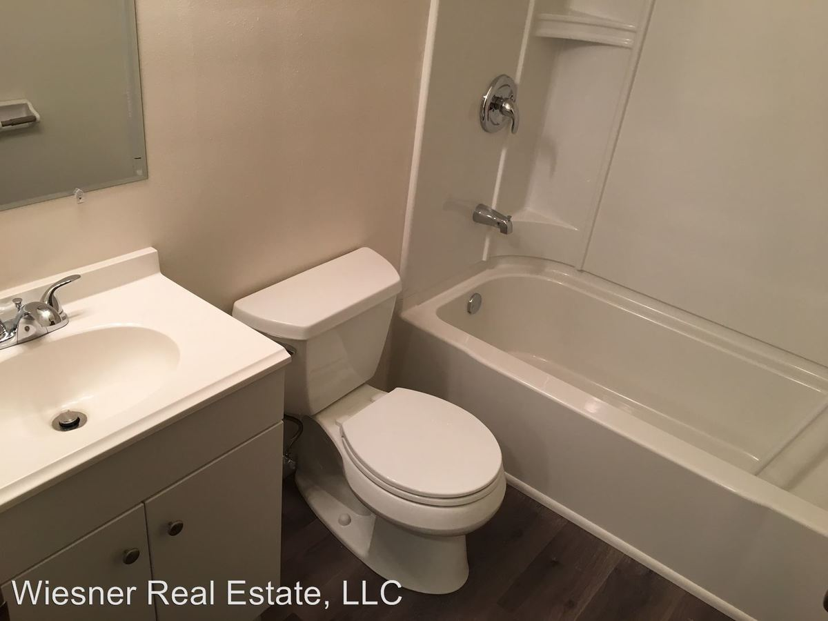 1 Bedroom 1 Bathroom Apartment for rent at 621 S. 92nd Street in West Allis, WI
