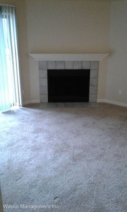 2 Bedrooms 1 Bathroom Apartment for rent at 11240 Ne 132 Nd in Kirkland, WA