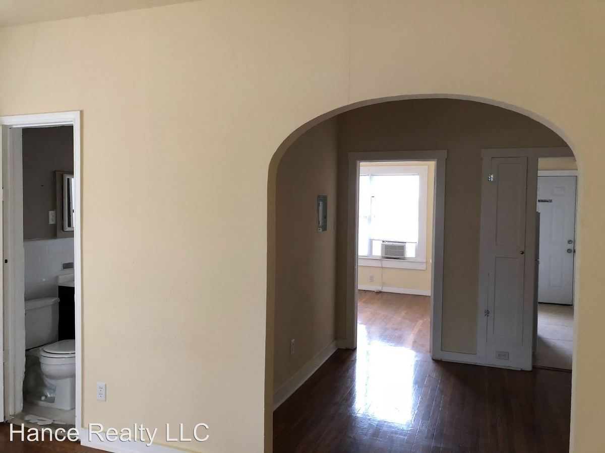 2 Bedrooms 1 Bathroom Apartment for rent at 1702-w.-mistletoe Ave in San Antonio, TX