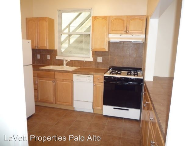 2 Bedrooms 1 Bathroom Apartment for rent at 628 Waverley St in Palo Alto, CA