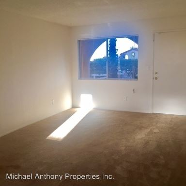 2 Bedrooms 1 Bathroom Apartment for rent at 362-368 7th St in Imperial Beach, CA