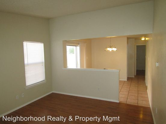 2 Bedrooms 1 Bathroom Apartment for rent at 12211 Dundee Dr in Austin, TX