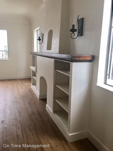 2 Bedrooms 1 Bathroom Apartment for rent at 747 -763 1/2 Belmont Avenue in Long Beach, CA