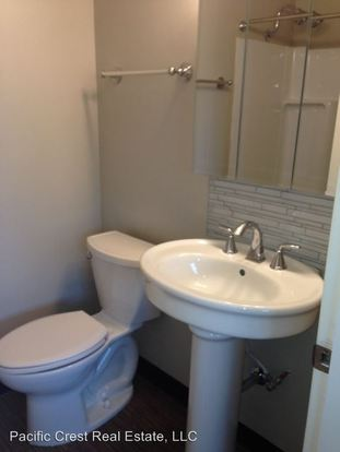 1 Bedroom 1 Bathroom Apartment for rent at 14th Avenue Apartments 121 14th Avenue East in Seattle, WA