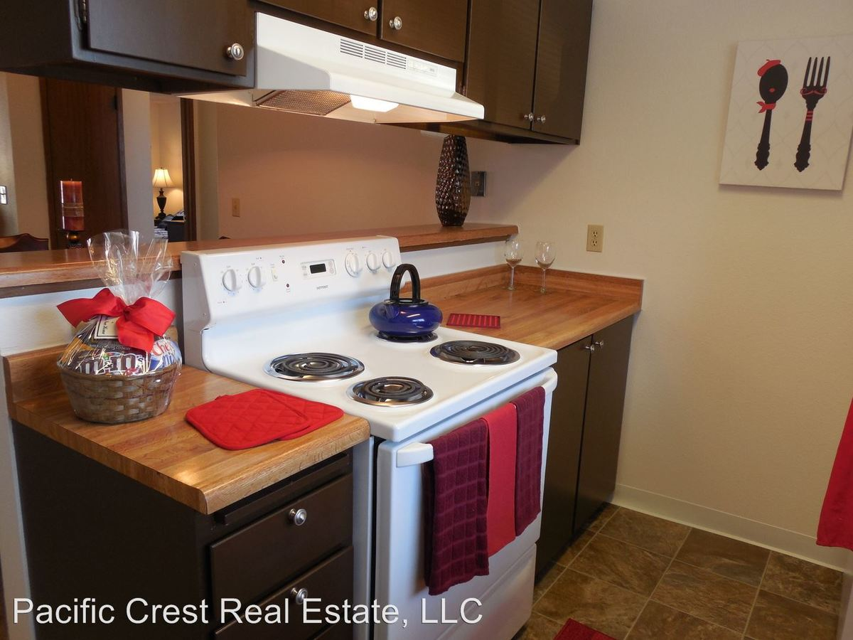 2 Bedrooms 1 Bathroom Apartment for rent at Crystal Springs 702 W. Casino Road in Everett, WA
