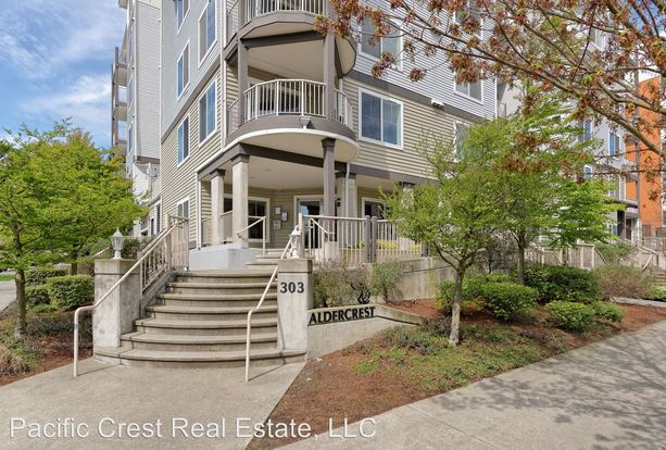 2 Bedrooms 2 Bathrooms Apartment for rent at Aldercrest 303 10th Avenue in Seattle, WA