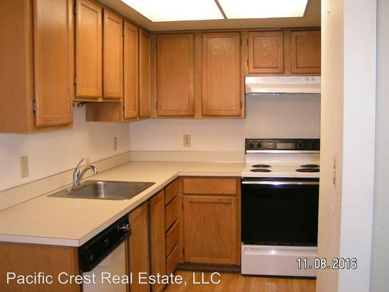 2 Bedrooms 1 Bathroom Apartment for rent at Seattle North Apartments 12051 28th Avenue Ne in Seattle, WA