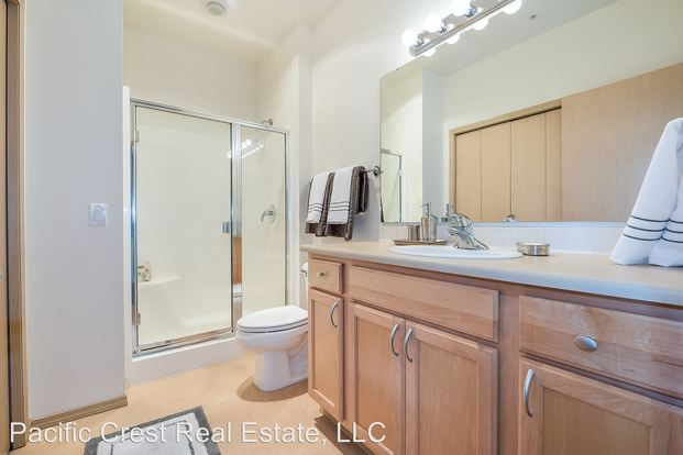 Studio 1 Bathroom Apartment for rent at Hawthorne 1618 Bellevue Avenue in Seattle, WA