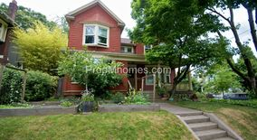Similar Apartment at 2835 Se Yamhill Street
