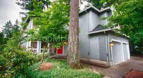 Similar Apartment at 16245 Sw Copper Creek Drive