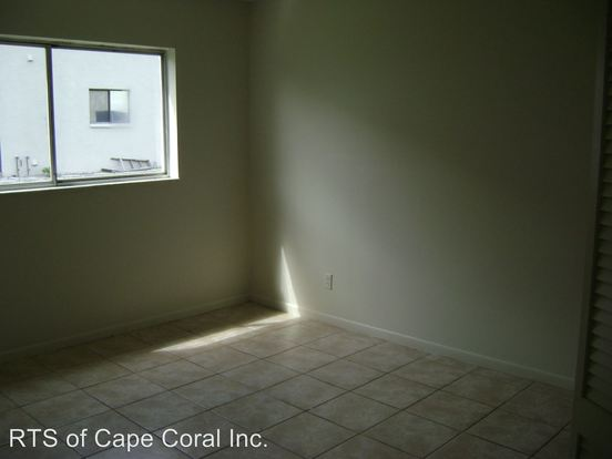 3 Bedrooms 2 Bathrooms Apartment for rent at 4814 Manor Court in Cape Coral, FL