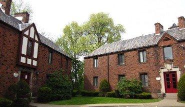 Similar Apartment at Tudor Court Apartments