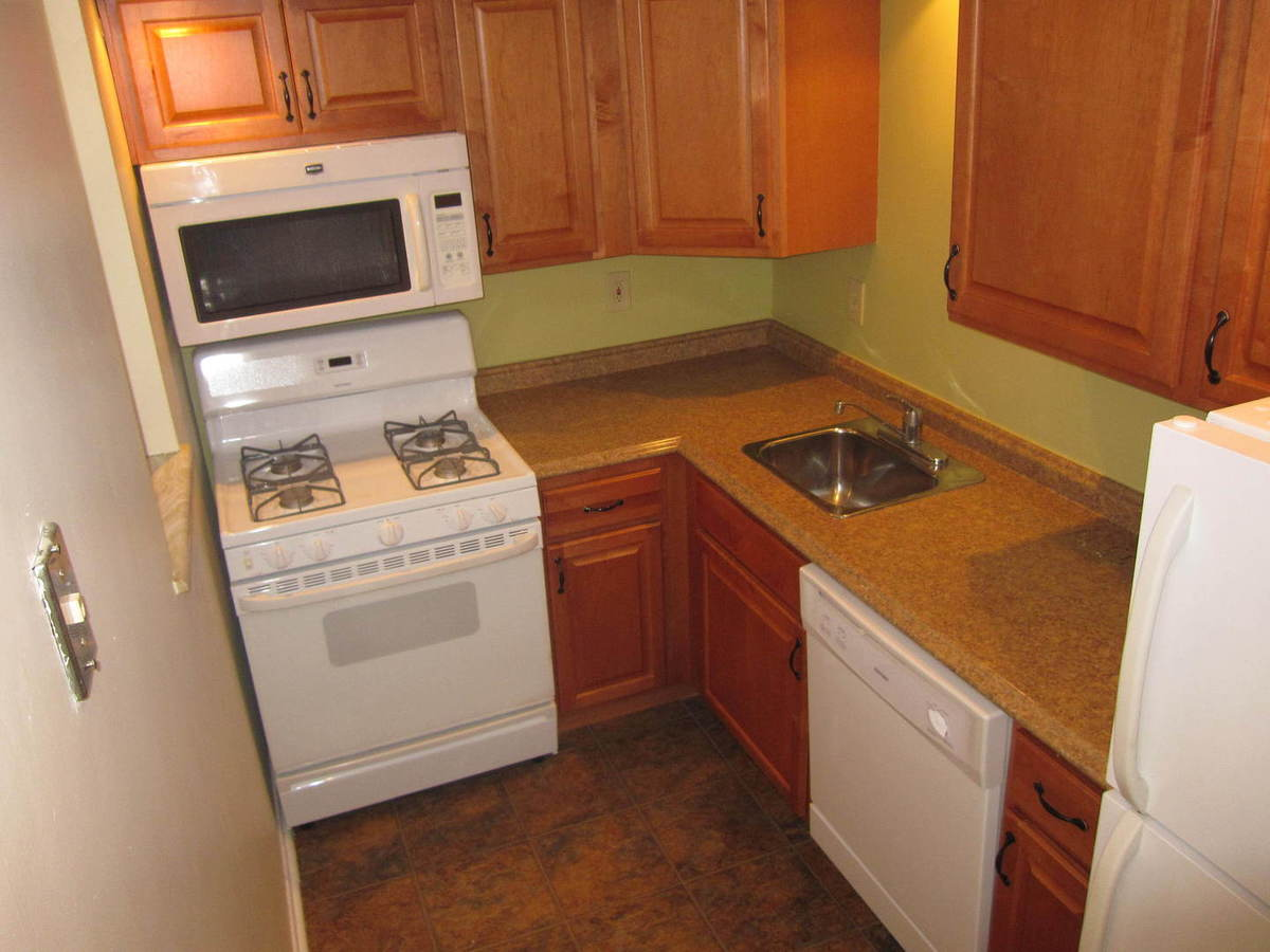 1 Bedroom 1 Bathroom Apartment for rent at Abbey Woods Apartments in Mt Lebanon, PA