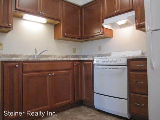 2 Bedrooms 1 Bathroom Apartment for rent at Ridgeview School Apartments in Coraopolis, PA