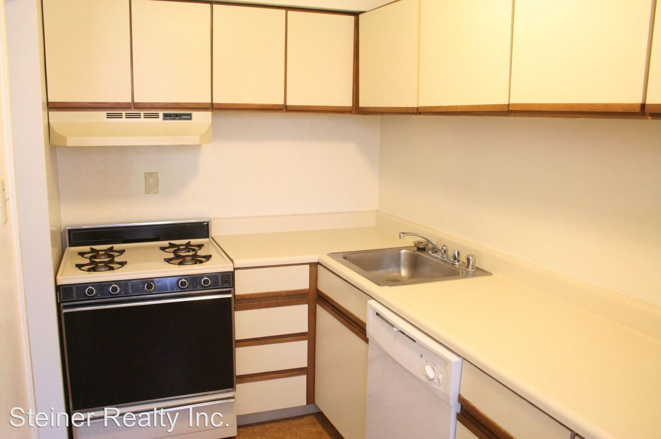 2 Bedrooms 1 Bathroom Apartment for rent at 320 Ohio River Boulevard in Sewickley, PA