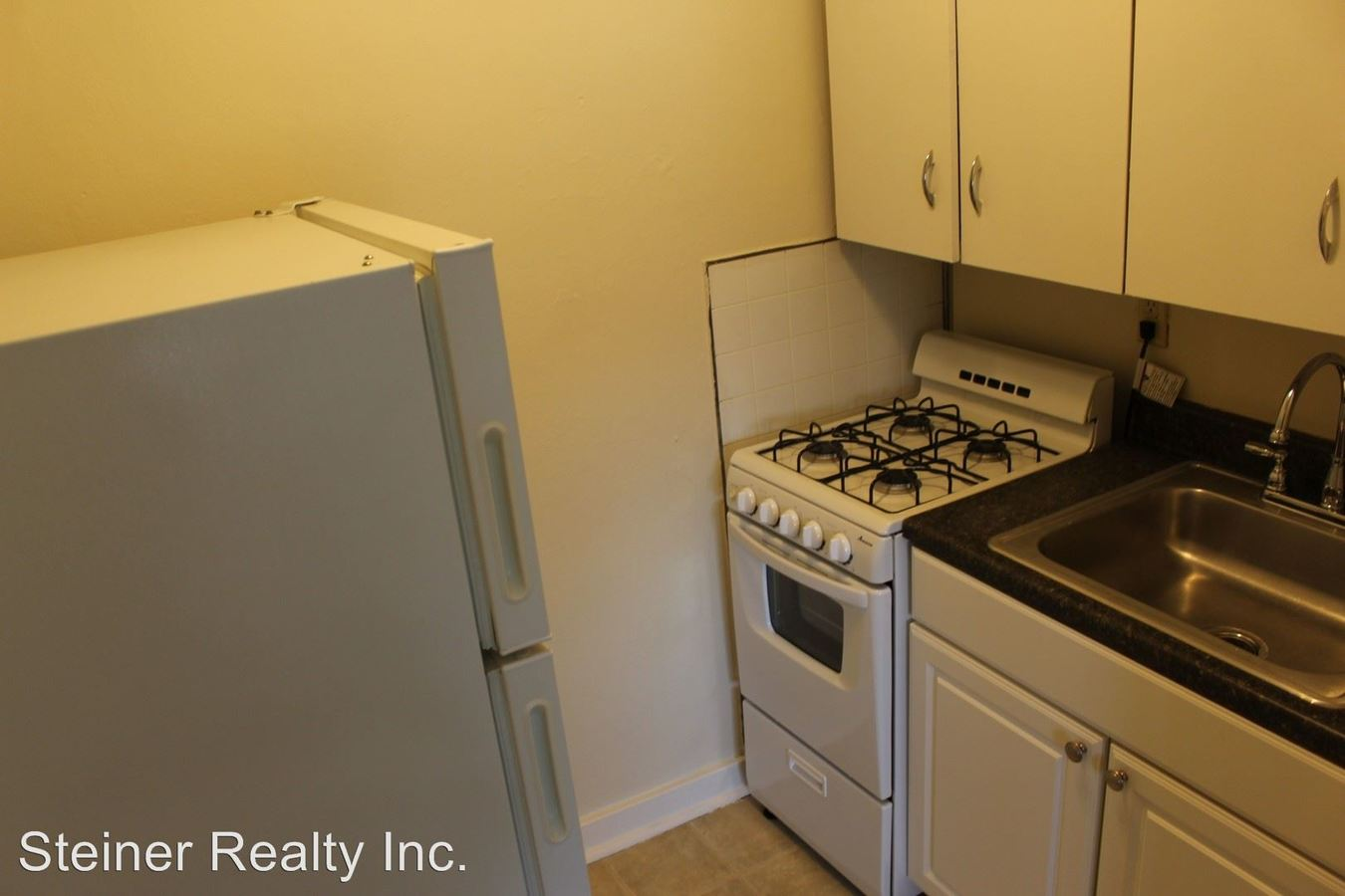 Studio 1 Bathroom Apartment for rent at 5686 Forward Avenue in Pittsburgh, PA