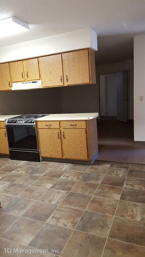 2 Bedrooms 1 Bathroom Apartment for rent at 227 W South St in Bolivar, MO