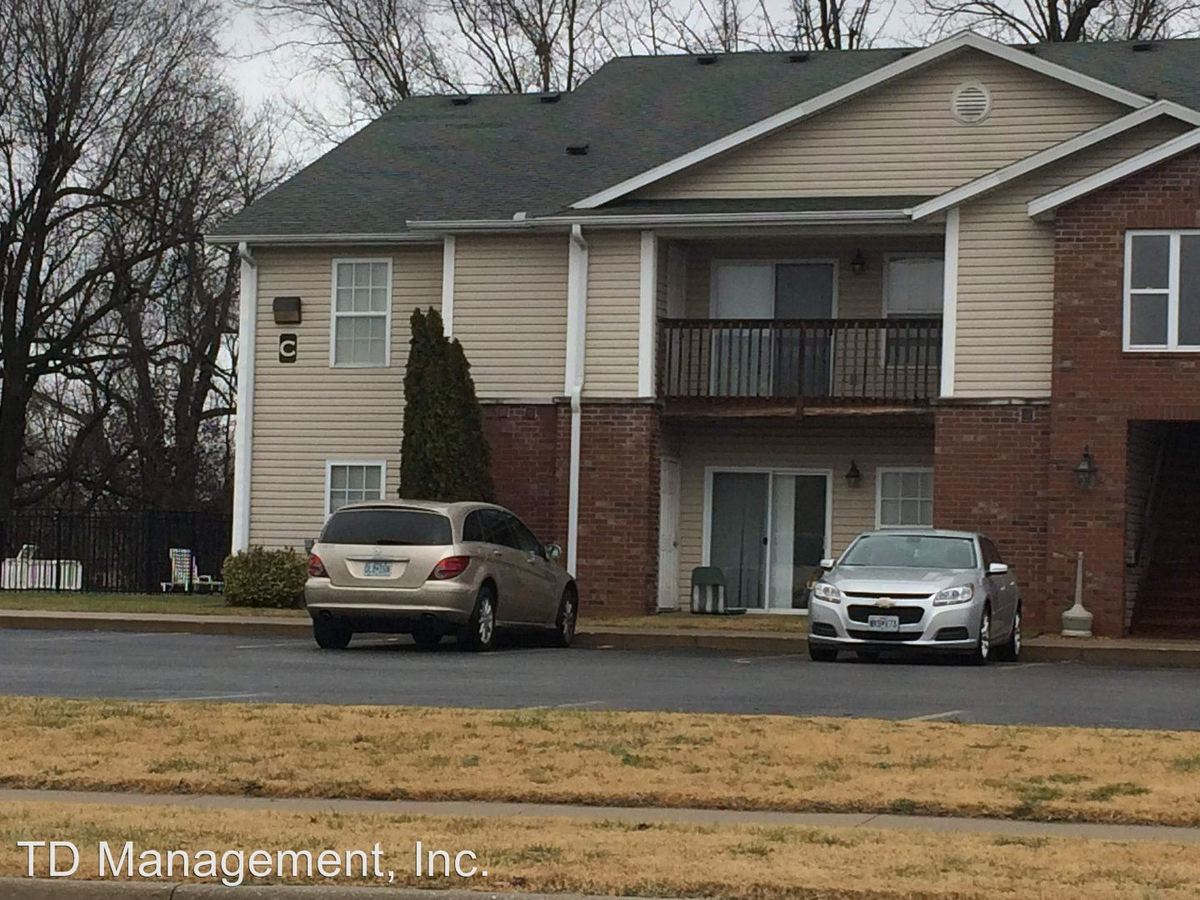 3 Bedrooms 2 Bathrooms Apartment for rent at 223 N Cedar Ave in Republic, MO