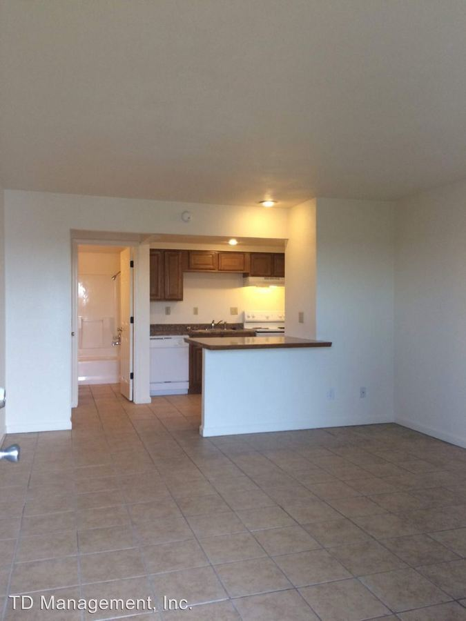 Studio 1 Bathroom Apartment for rent at 807 Knox Ave in Hollister, MO
