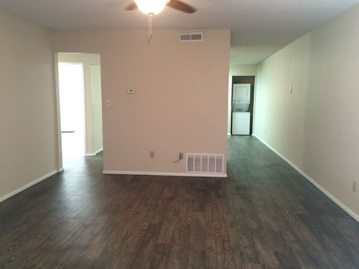1641 N Oakland Ave Fayetteville, AR Apartment for Rent