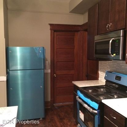 2 Bedrooms 1 Bathroom Apartment for rent at 3335 West Dickens Avenue in Chicago, IL