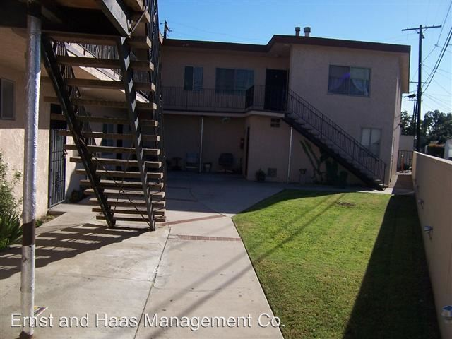 2 Bedrooms 1 Bathroom Apartment for rent at 220 E 57th St. in Long Beach, CA