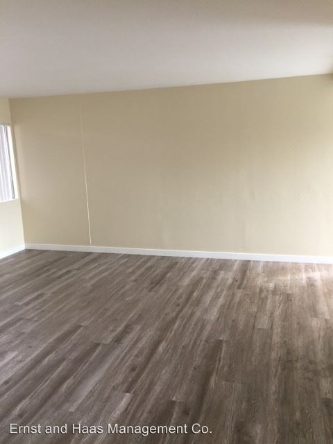 2 Bedrooms 1 Bathroom Apartment for rent at 2901 E. 10th St. in Long Beach, CA