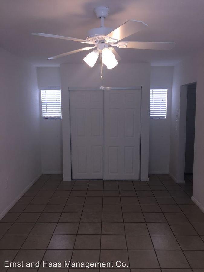 Studio 1 Bathroom Apartment for rent at 1527 Junipero Ave. in Long Beach, CA