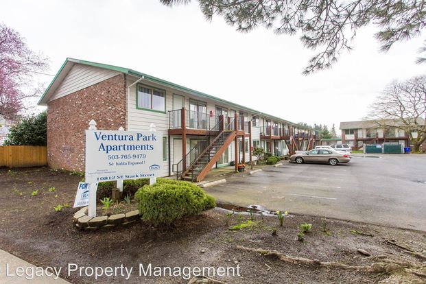 2 Bedrooms 1 Bathroom Apartment for rent at 10812 Se Stark Street in Portland, OR