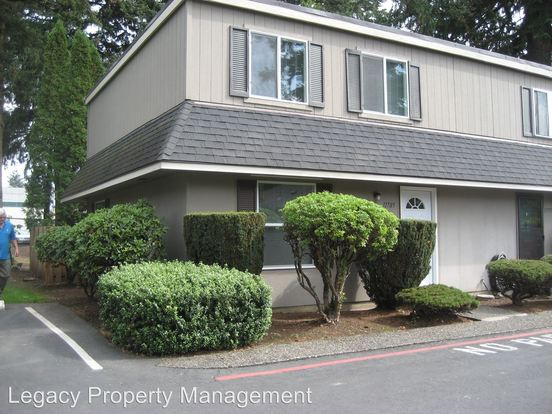 2 Bedrooms 1 Bathroom Apartment for rent at 11705 Se Market Street in Portland, OR