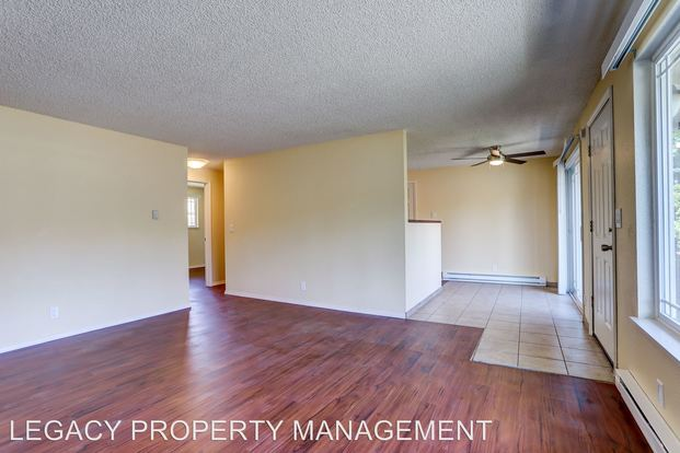 2 Bedrooms 1 Bathroom Apartment for rent at 4803 Se Boardman Ave. in Portland, OR