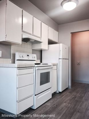 2 Bedrooms 1 Bathroom Apartment for rent at Twenty Seventh East 533 Se 27th Ave in Portland, OR