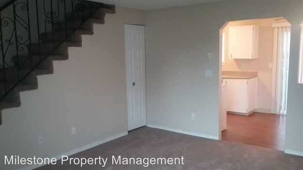 3 Bedrooms 1 Bathroom Apartment for rent at Somerset West 18205 Nw Bronson Road in Portland, OR