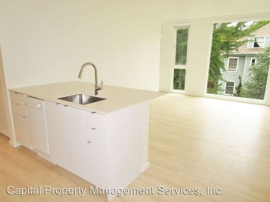 1 Bedroom 1 Bathroom Apartment for rent at 1475 Se 15th Ave in Portland, OR