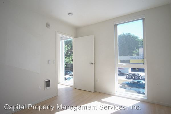 2 Bedrooms 1 Bathroom Apartment for rent at 1475 Se 15th Ave in Portland, OR