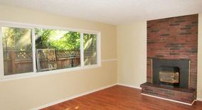Similar Apartment at 2610 2618 Ne Clackamas St
