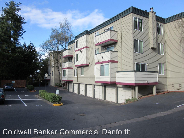Similar Apartment at 18102 15th Ave Ne,
