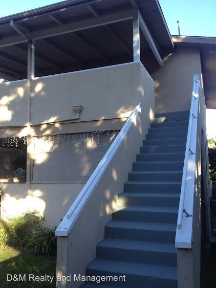 2 Bedrooms 1 Bathroom Apartment for rent at 718-732 Stevens Avenue in Solana Beach, CA