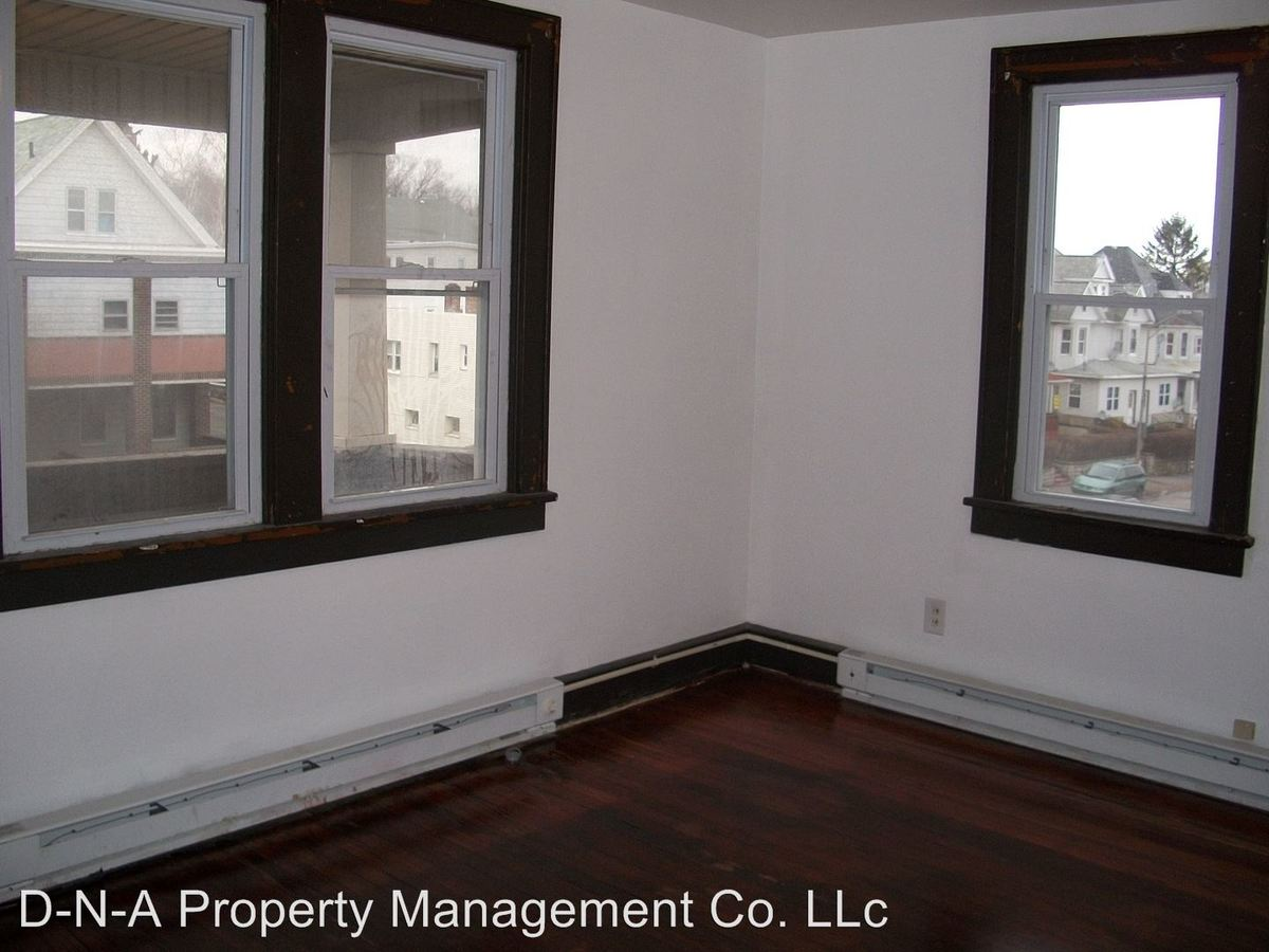 1 Bedroom 1 Bathroom Apartment for rent at 438 W. Broad Street in Hazleton, PA