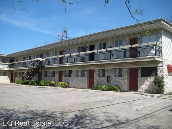 1 Bedroom 1 Bathroom Apartment for rent at 926 E. Dean Keeton in Austin, TX