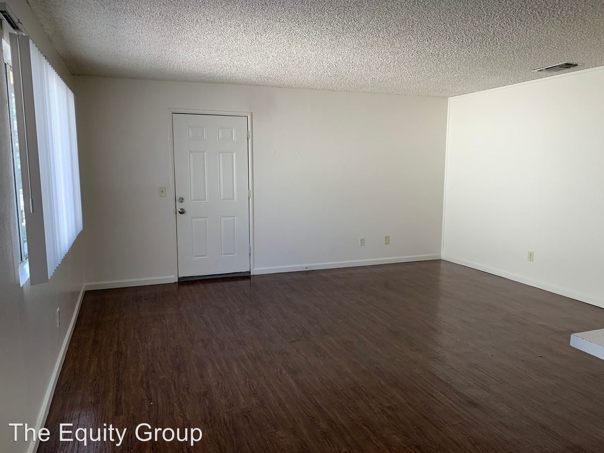 2 Bedrooms 1 Bathroom Apartment for rent at 615 South Demaree Street in Visalia, CA