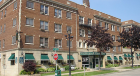 Plaza Apartment for rent in Milwaukee, WI