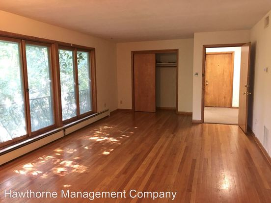 2 Bedrooms 1 Bathroom Apartment for rent at 400 Mimosa Court in Columbia, MO