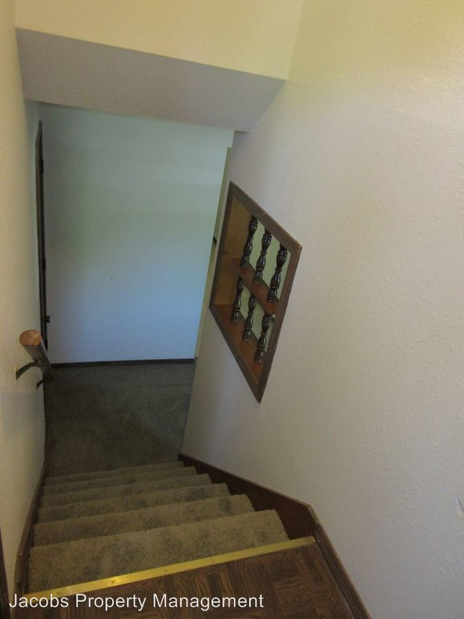 2 Bedrooms 1 Bathroom Apartment for rent at 420 N East Park Lane in Columbia, MO