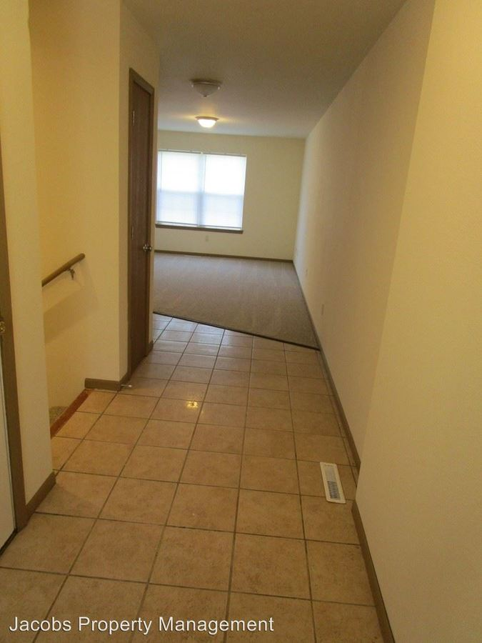 3 Bedrooms 2 Bathrooms Apartment for rent at 4538 W Bellview Drive in Columbia, MO
