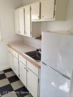 1 Bedroom 1 Bathroom Apartment for rent at 589-603 Seminole Ave in Atlanta, GA