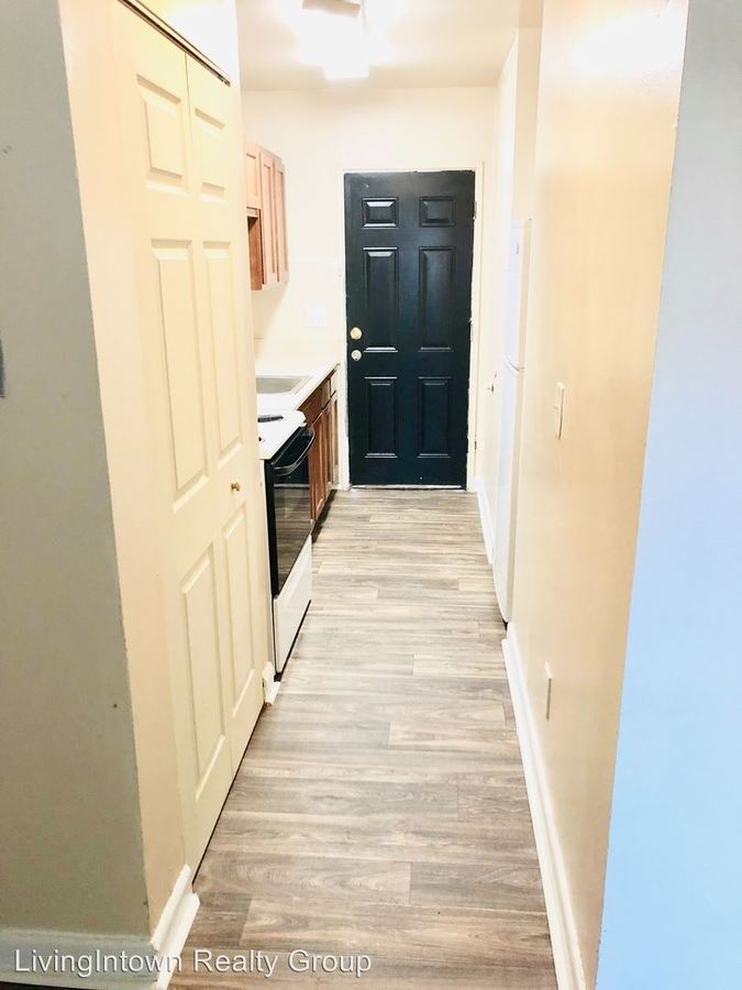 1 Bedroom 1 Bathroom Apartment for rent at 1744 Lyle Avenue in College Park, GA