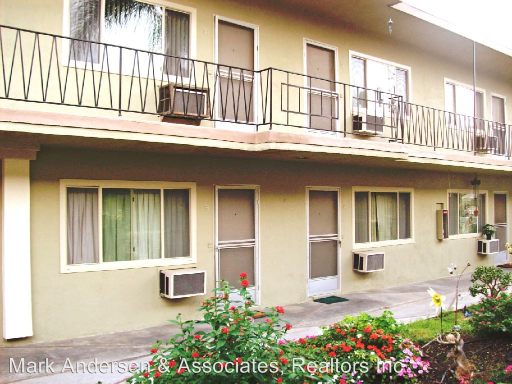 Studio 1 Bathroom Apartment for rent at 832-838 N. Azusa Ave. in West Covina, CA