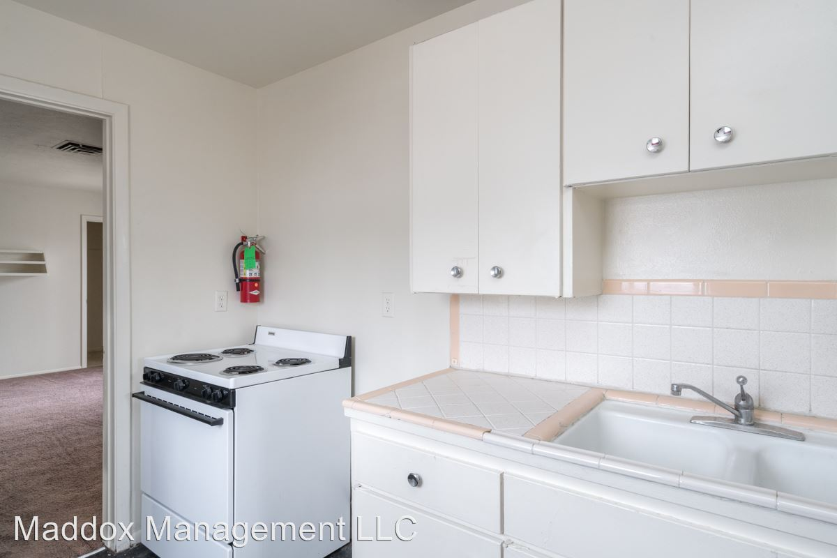 2 Bedrooms 1 Bathroom Apartment for rent at 2121 Gold Ave Se in Albuquerque, NM