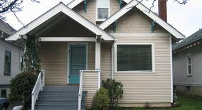 Similar Apartment at 3839 Se Ivon Street